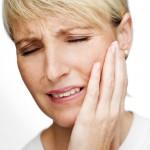 Douleur à la mâchoire: dysfonctions de l'articulation temporo-mandibulaire